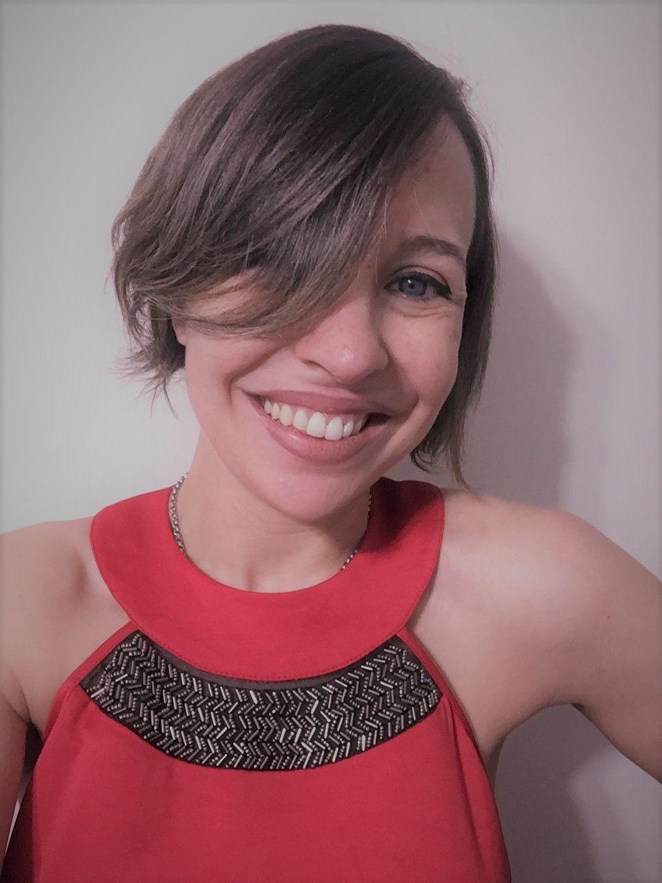 Julia Luzuriaga