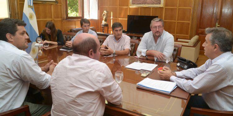 Etchevehere y Urriza con productores arroceros de Entre Ríos