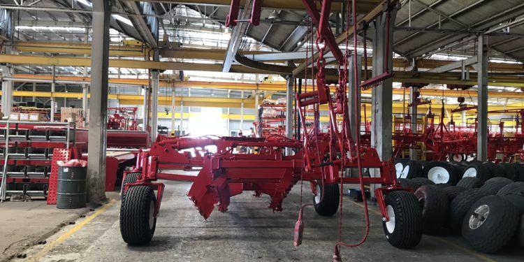 El agro en tiempos de cuarentena: Las fábricas de maquinaria agrícola permanecen cerradas, aunque reparten repuestos críticos